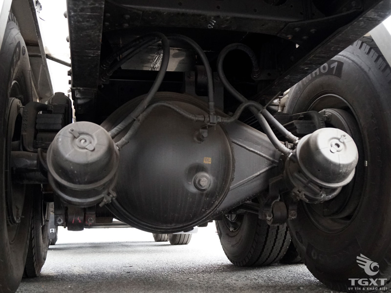 Xe Bồn Hyundai 4 Chân HD310 Chở Dầu Diesel 18 Khối 15 Tấn