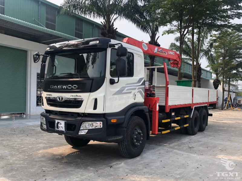 Xe Tải Daewoo HU6AA Gắn Cẩu Unic URV550 13T8