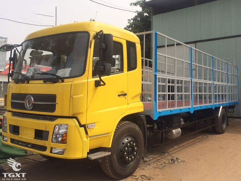 Xe Tải Dongfeng B180 Thùng Bạt 8 Tấn