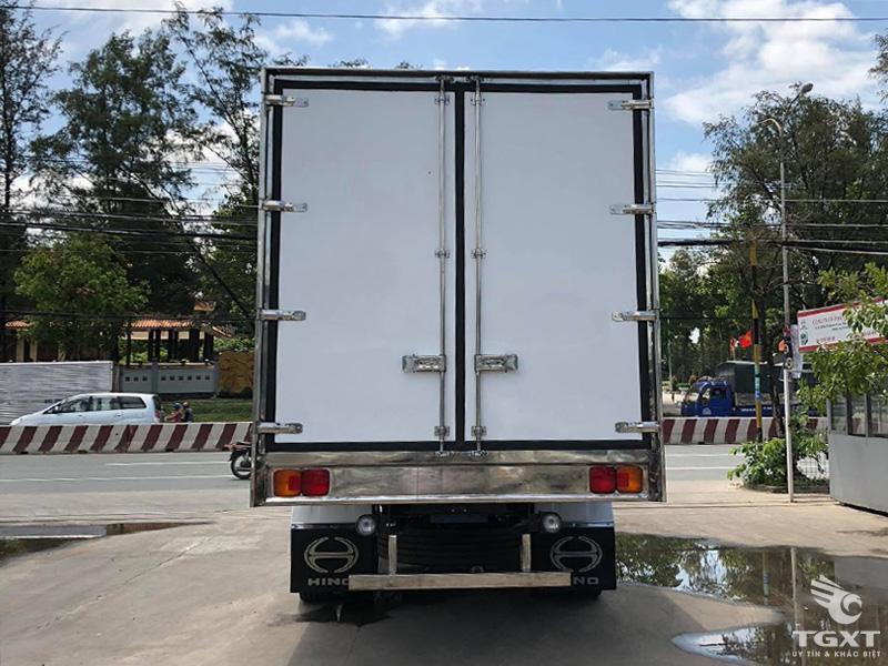 Xe Tải Hino FG8JPSB 8.5 Tấn Thùng Bảo Ôn