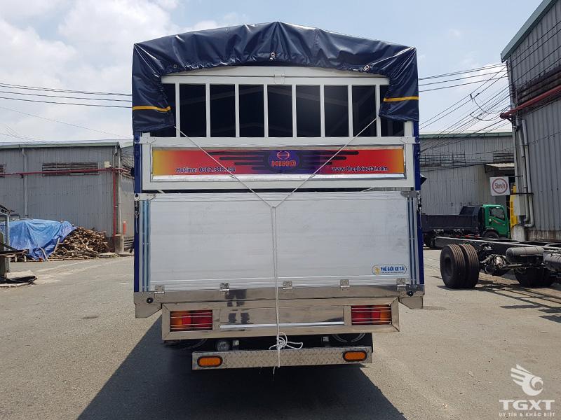 Xe Tải Hino FC9JJTC 6 Tấn Thùng Bạt