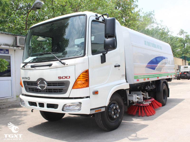 xe-tải-Hino-FC9JETA-hut-bui-duong-5-khoi-h3