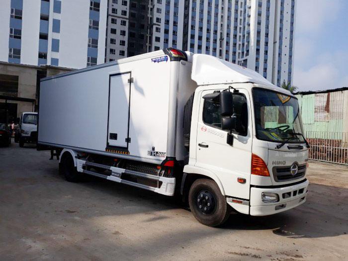 Xe Tải Hino FC9JNTC 6.5 Tấn Thùng Bảo Ôn