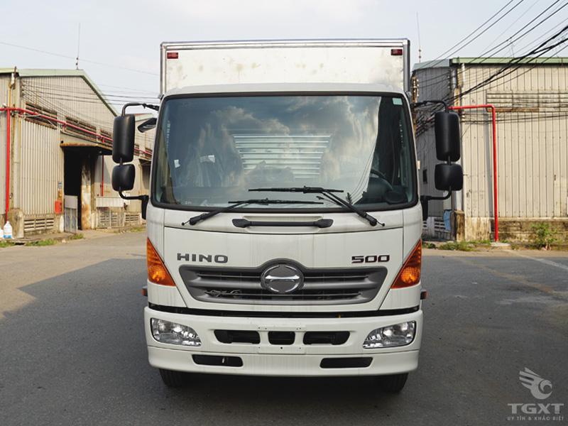 Xe Tải Hino FC9JLTC 6.4 Tấn Thùng Kín