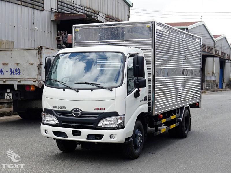 Xe Tải Hino XZU650L 1.9 Tấn Thùng Kín