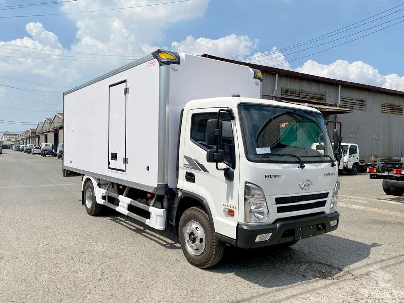 Xe Tải Hyundai Mighty EX8 GTL 7 Tấn Thùng Bảo Ôn