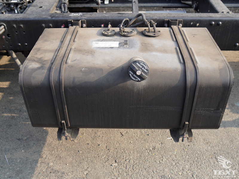 Xe Tải Hyundai HD120S 6 Tấn Gắn Cẩu Unic URV343 3 Tấn 3 Khúc