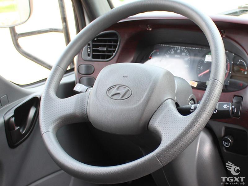 Xe Tải Hyundai HD120SL 7 Tấn Gắn Cẩu Unic 3 Tấn 4 khúc URV340