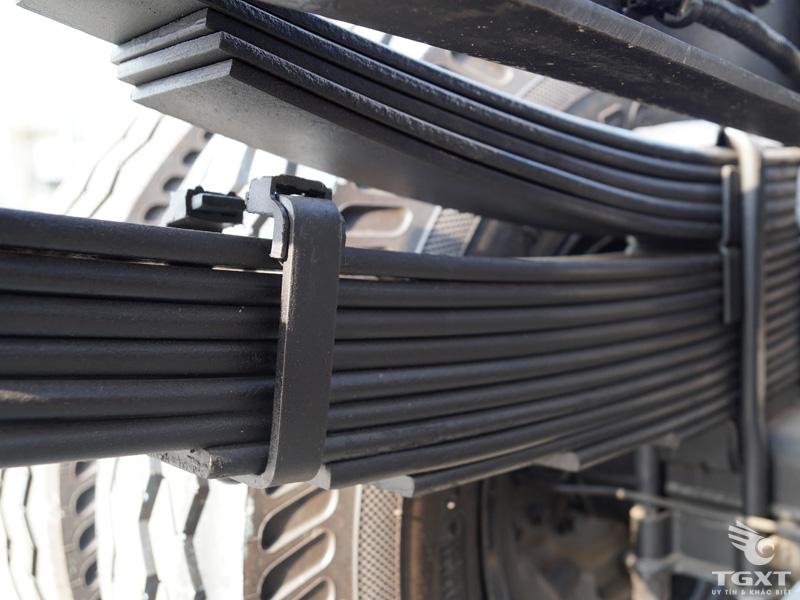 Xe Tải Hyundai HD210 3 Chân 12 Tấn Gắn Cẩu Tadano 5 Tấn 4 Khúc