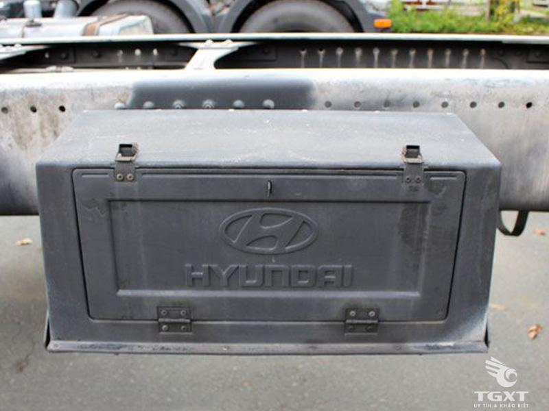 Xe Cẩu Hyundai HD210 10 Tấn Gắn Cẩu Unic URV805 8 Tấn 5 Khúc