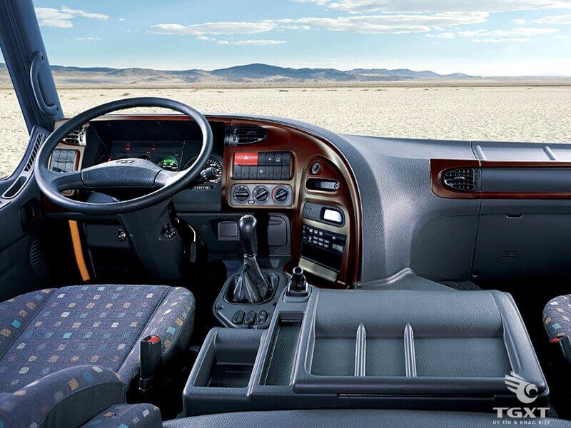 Xe Tải Hyundai HD240 15 Tấn Thùng Bạt