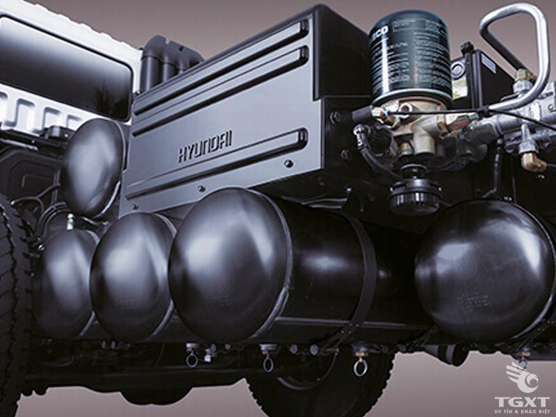 Xe Tải Hyundai HD320 4 Chân 11 Tấn Gắn Cẩu Soosan SCS1015LS