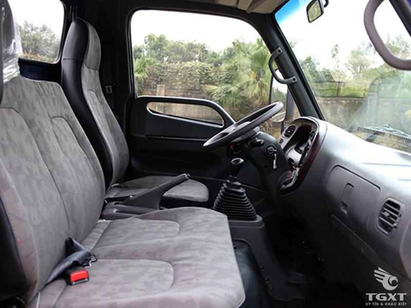 Xe Tải Hyundai HD700 5T8 Chở Gia Cầm
