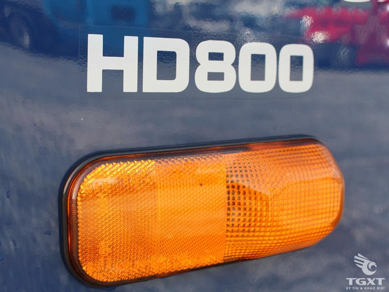 Xe Tải Hyundai HD800 Nâng Đầu Chở Máy Công Trình