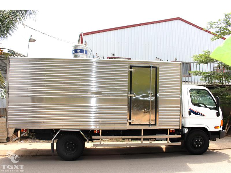 Xe Tải Hyundai HD800 8 Tấn Thùng Kín