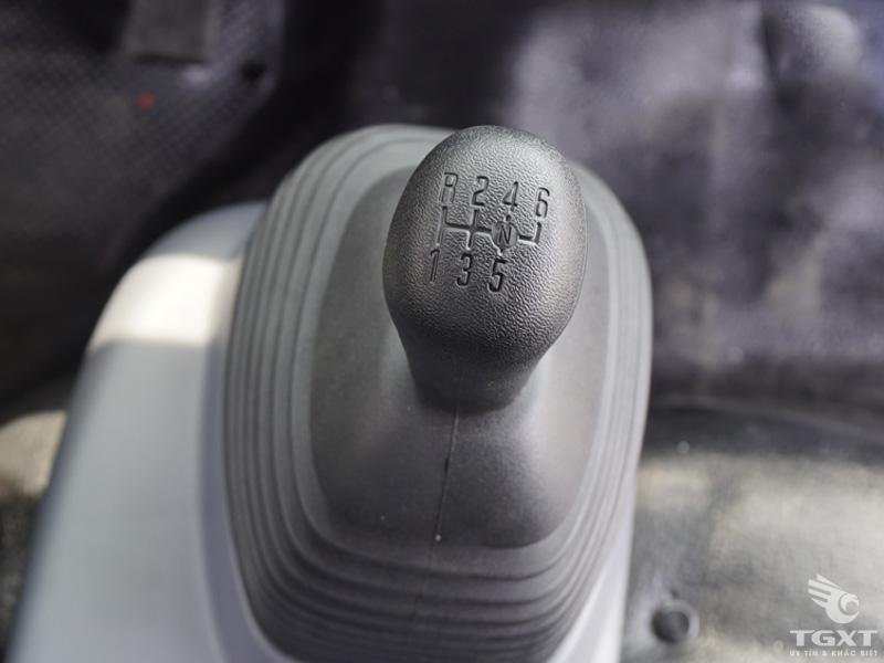 Xe Tải Isuzu NMR85HE4 1.9 Tấn Thùng Kín