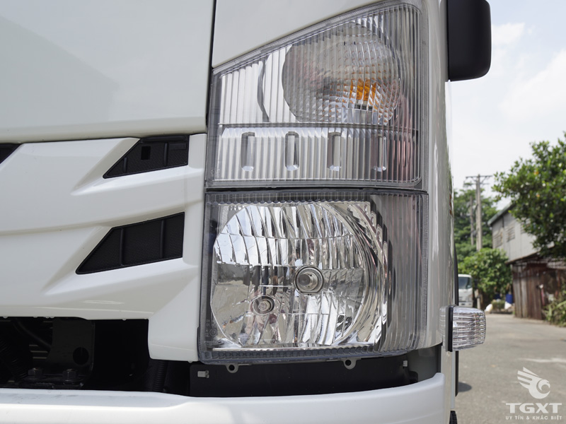 Xe Đông Lạnh Isuzu 2T5 - NMR310