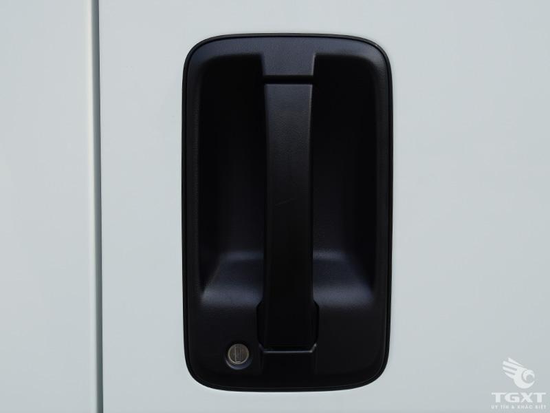 Xe Tải Isuzu 3T5 Thùng Bạt Bửng Nâng - NPR400