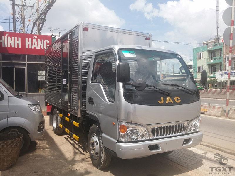 Xe Tải Jac HFC 1025K1 1.25 Tấn Thùng Kín