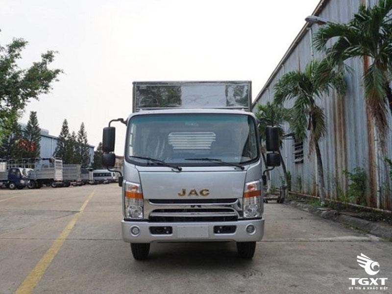 Xe Tải Jac N650 6.2 Tấn Thùng Kín Bửng Nâng